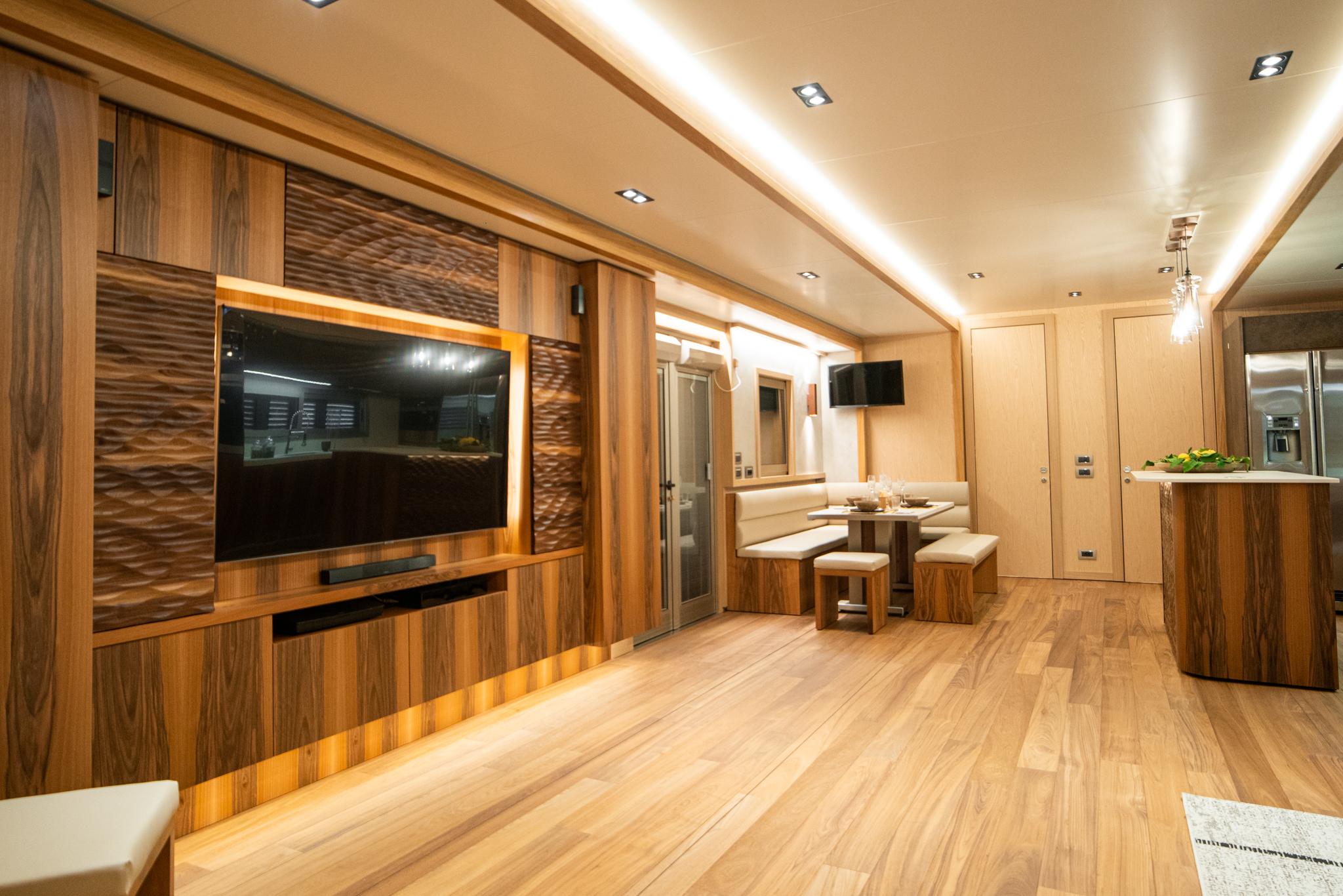 Salon luksusowej przyczepy mieszkalnej