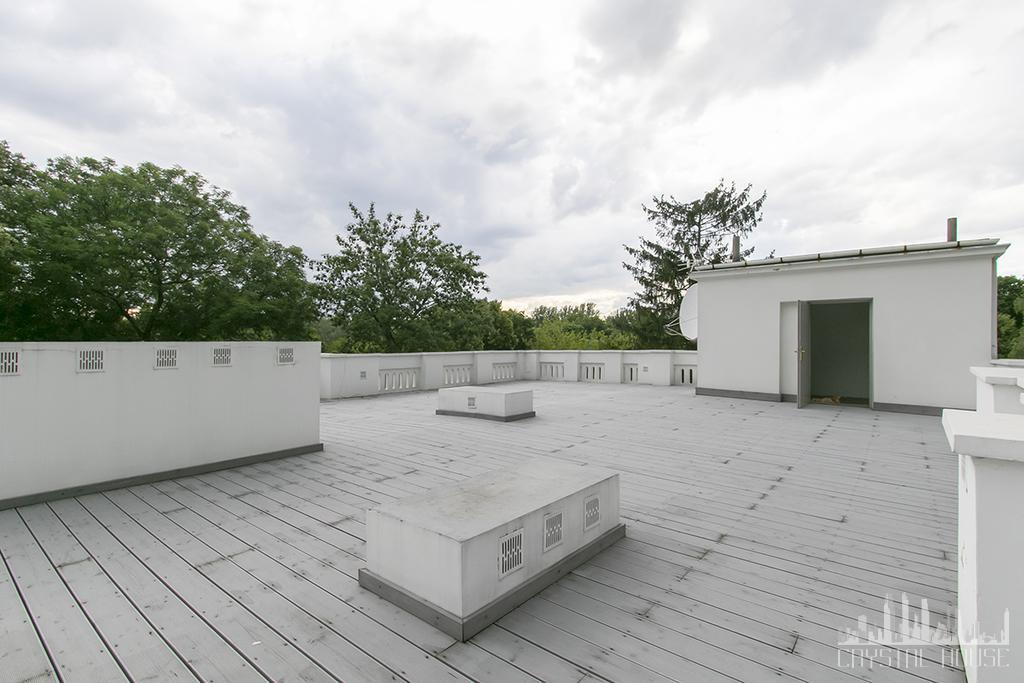duży taras na dachu