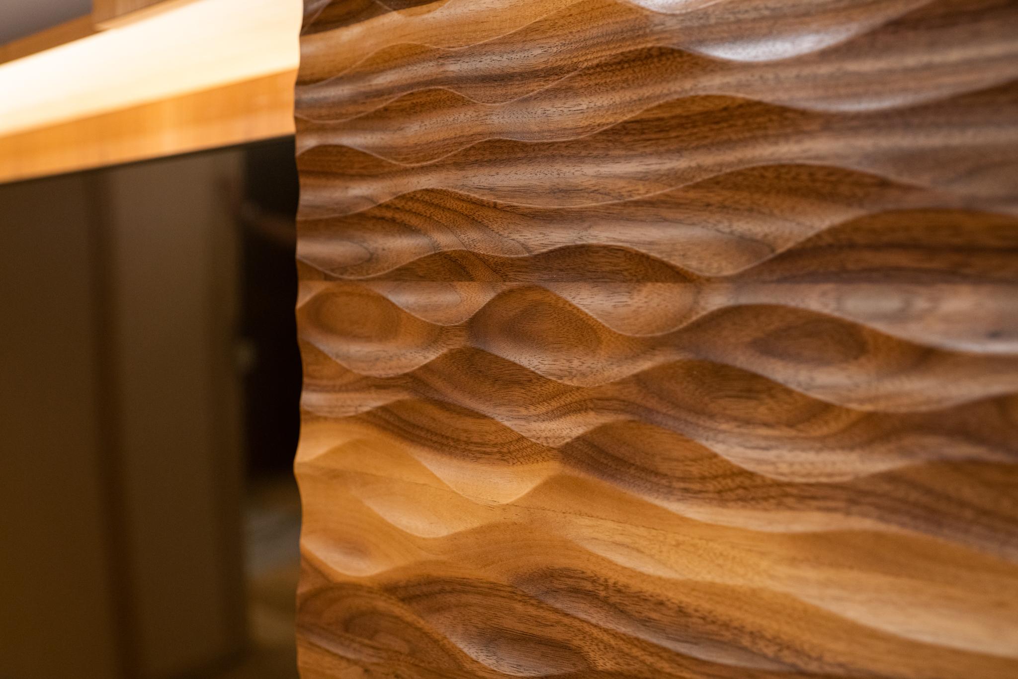 Drewniany detal we wnętrzu