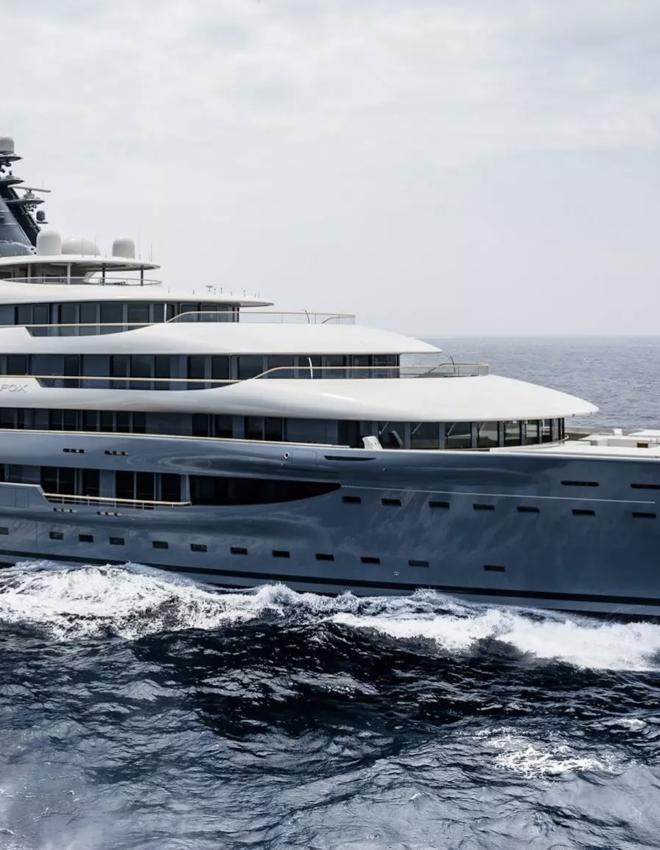 Flying Fox: jacht za 400 milionów dolarów, który (nie) należy do Jima Bezosa