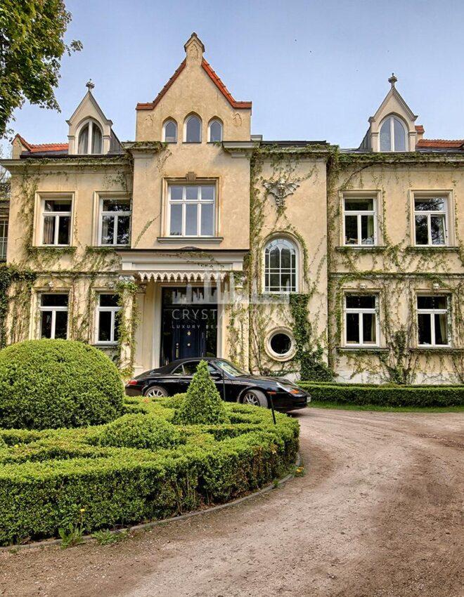 A palace in Konstancin